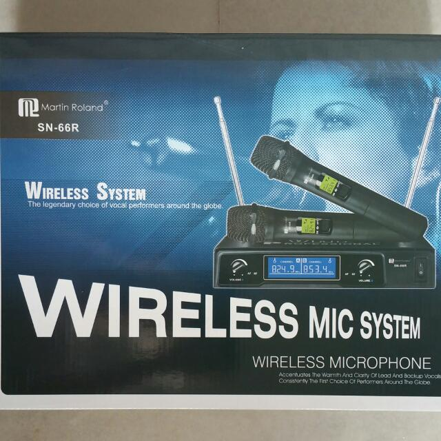 Karaoke Speaker MK 835 and Wireless Microphone SN-66R