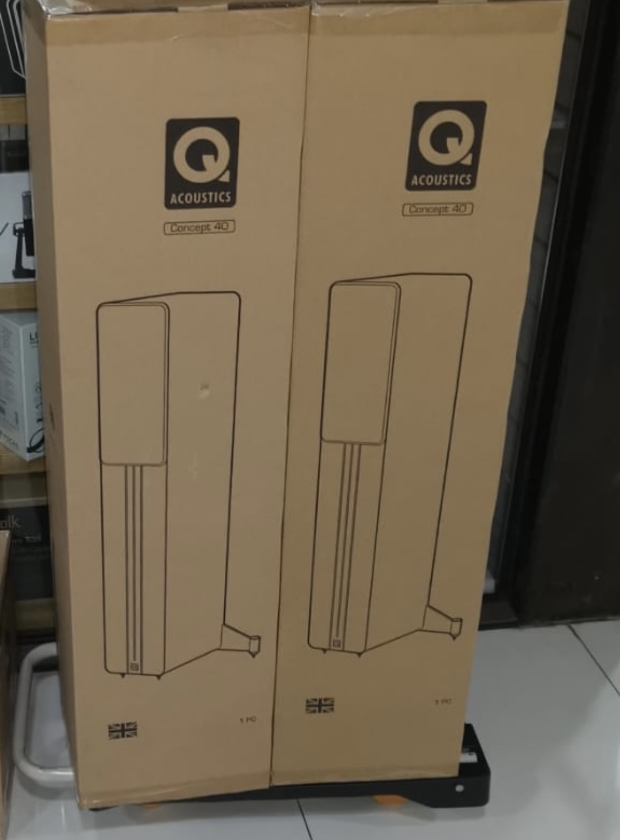 q acoustic concept 40 white 1 pair 1 year warranty
