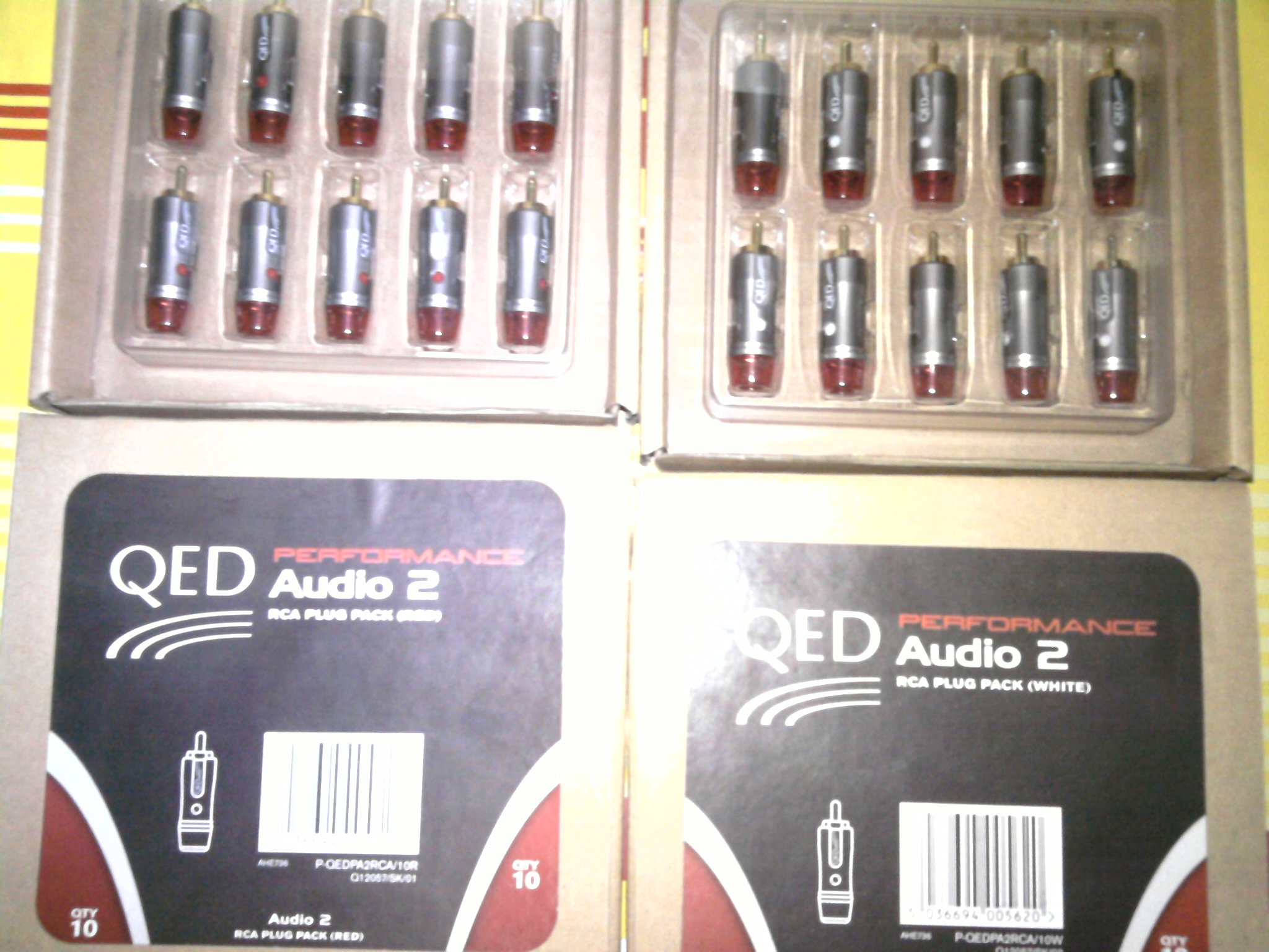 QED high end audio 2 RCA plugs